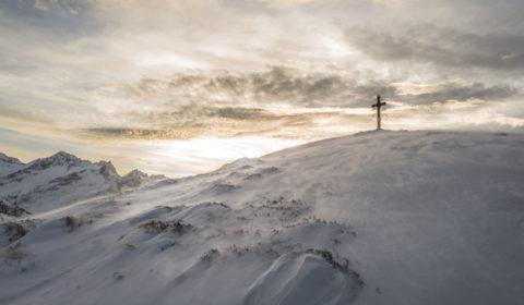 13-qa-dlaczego-pan-bog-opuscil-jezusa